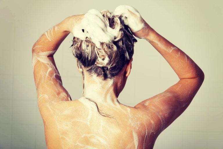 シャンプーの正しい洗い方、8つの手順