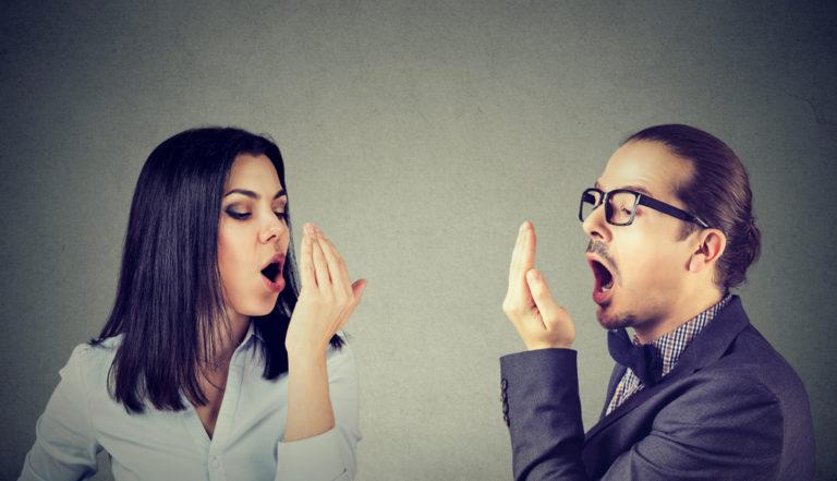 口臭が89%改善。うんち&ドブ臭い口のにおいの解決方法