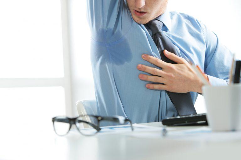 汗臭は汗をかきやすいワキの下を中心に発生する体臭で、「ワキ臭」と呼ばれることも